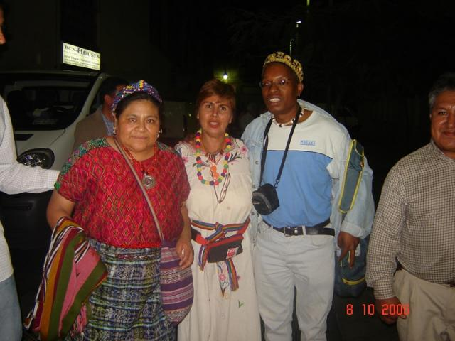 Con Rigoberta Menchú